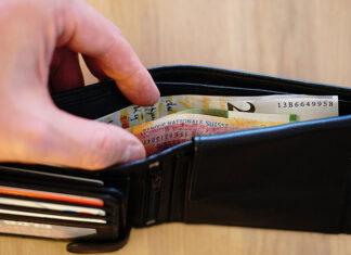 Jak pożyczać pieniądze, żeby nie wpaść w długi